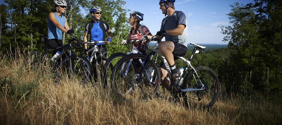 fietsen in het Ertsgebergte in Tsjechië
